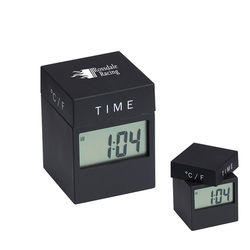 4-in-1 Twist Clock designed by MoMA